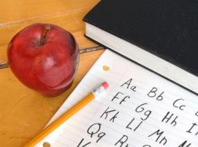 apple_on_desk