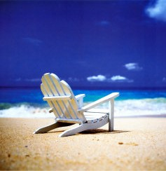 randy-faris-beach-chair-on-empty-beach