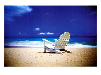 randy-faris-beach-chair-on-empty-beach