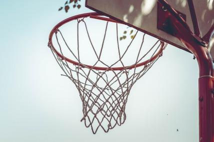 basketball-hoop-463458_1920